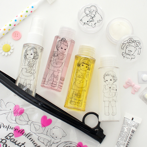 paper doll mateTravel beauty pouch